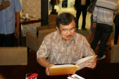 Jusuf Kalla -Amcol 010